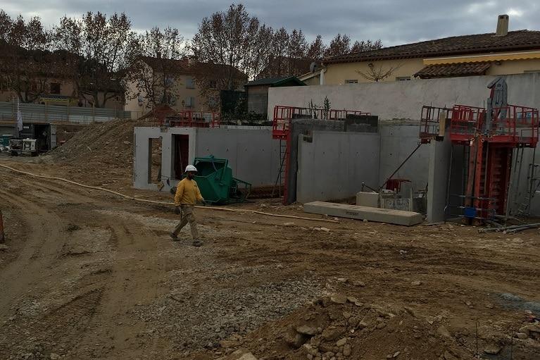 azurbat-construction-chantier-le-patio-saint-cyr-sur-mer-4