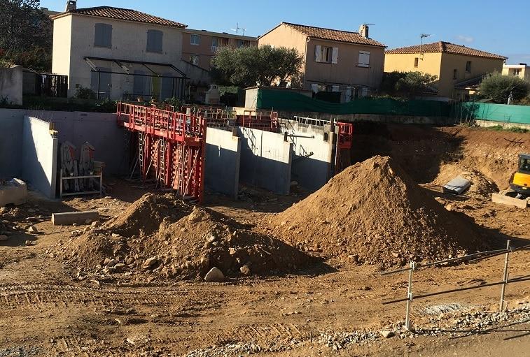 azurbat-construction-chantier-le-patio-saint-cyr-sur-mer-6