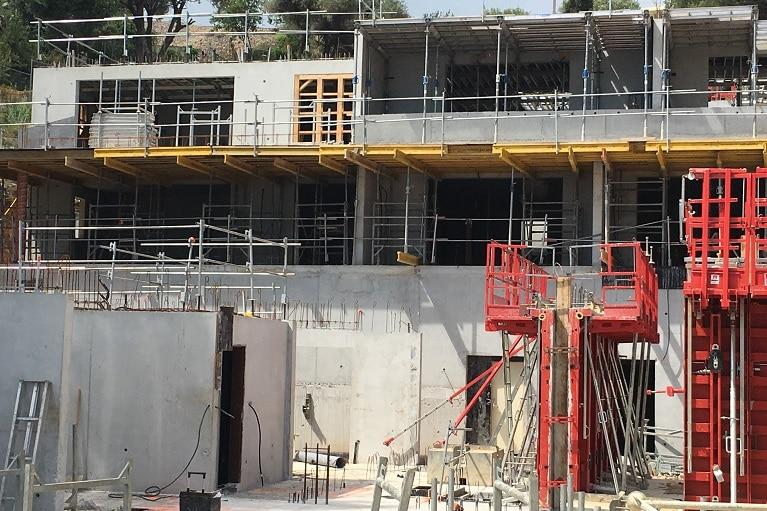 azurbat-construction-realisations-o-fil-de-l-eau-bandol-02